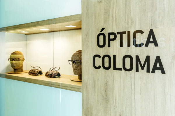 Óptica Coloma, escaparate